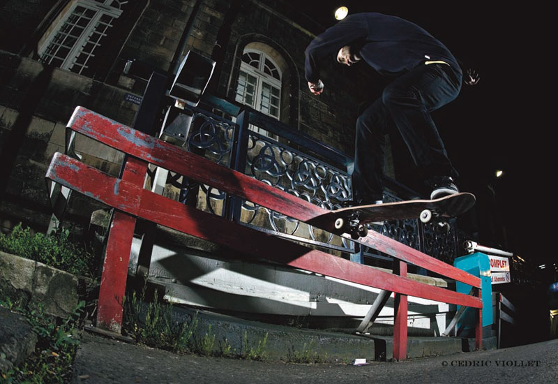 Leo Valls - F/S noseslide. Photo : Cédric Viollet