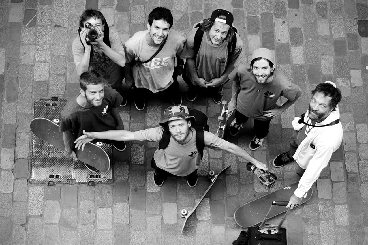 magenta-skateboards-crew-in-my-street-nb