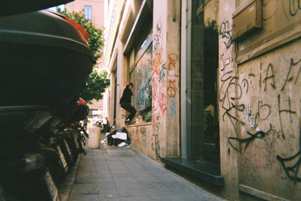 MAGENTA ITALIA BARLOW GRIND